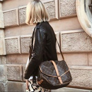 authentic Louis Vuitton Saumur 35 monogram  bag